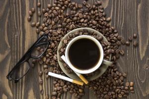 Влиянието на кофеина и никотина върху съня